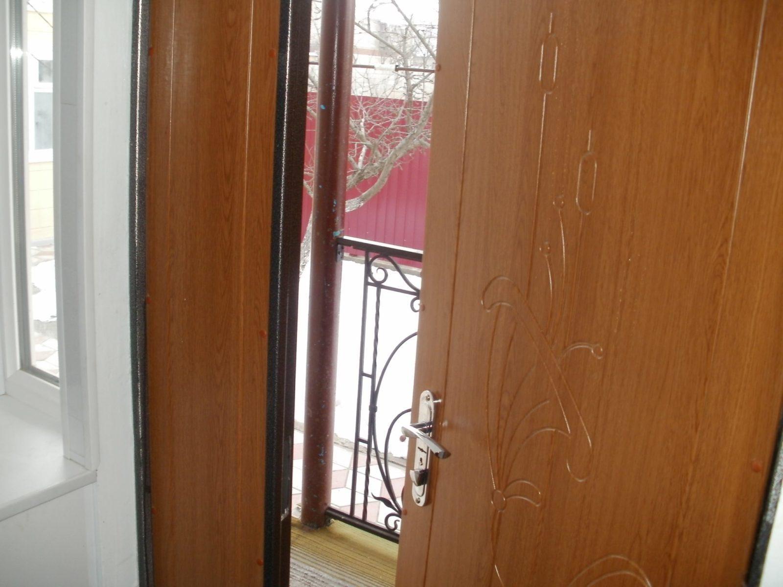 металлическая дверь стал в квартиру