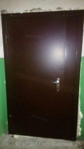 Установка Двери24 двери входные металлические установка ул. Сыровца, 25 Каменское(Днепродзержинск)